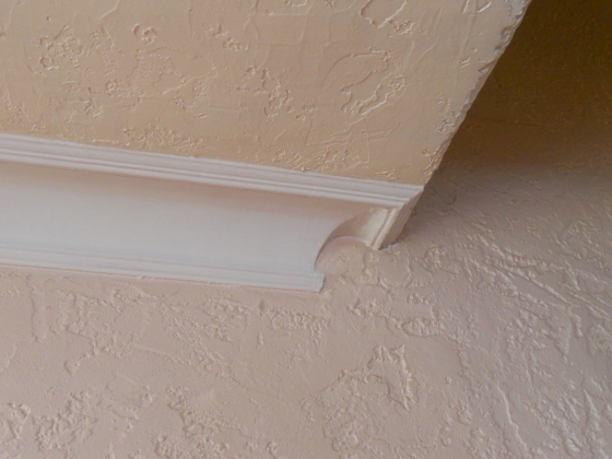 Chantilly crown molding detail