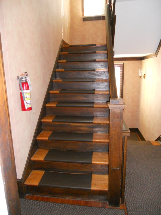 stairway-to-third-floor-2