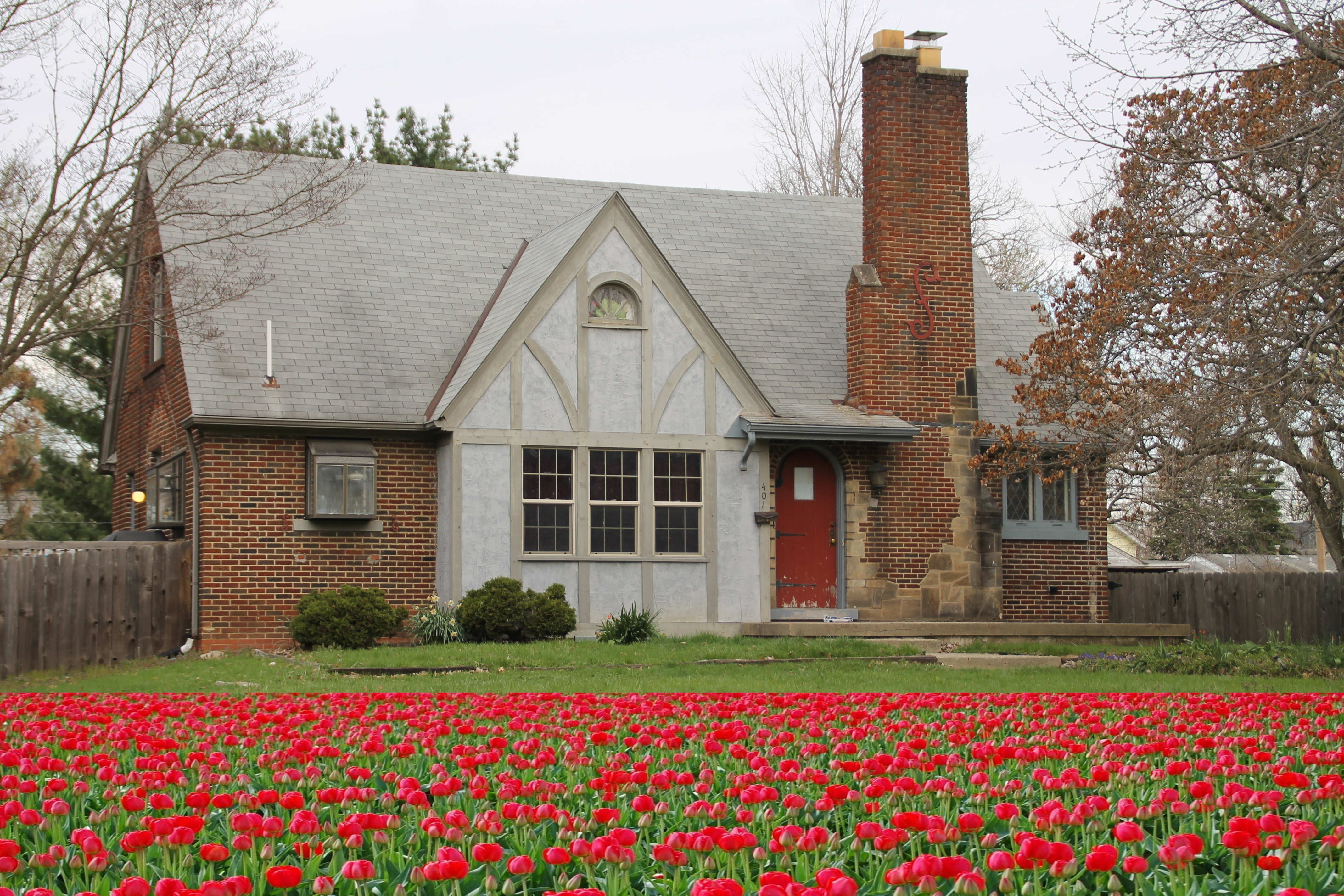 401 Woodland Ave Columbus OH with tulips